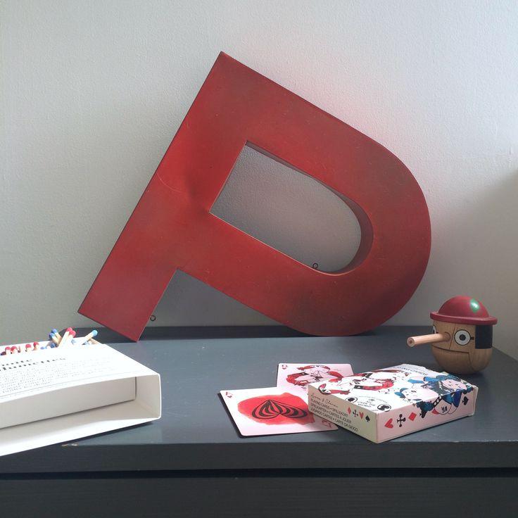 les 25 meilleures id es de la cat gorie lettres peintes sur pinterest peindre des lettres. Black Bedroom Furniture Sets. Home Design Ideas
