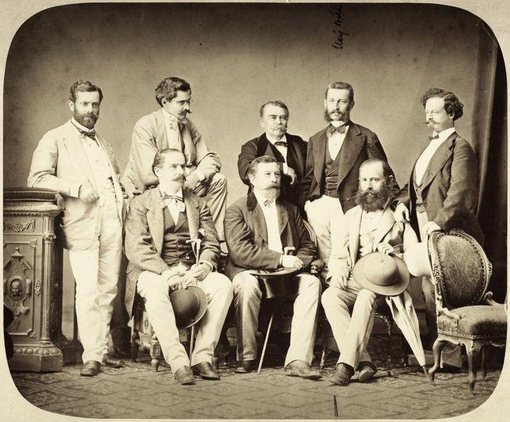állnak balról: Wechselmann Ignác, Unger Emil, Faváry János, Neÿ Béla, Koch Henrik ülnek: Anton Baumgarten, Ybl Miklós, Wéber Antal építészek. A felvétel 1880 körül készült. Buzinkay Géza/Fortepan