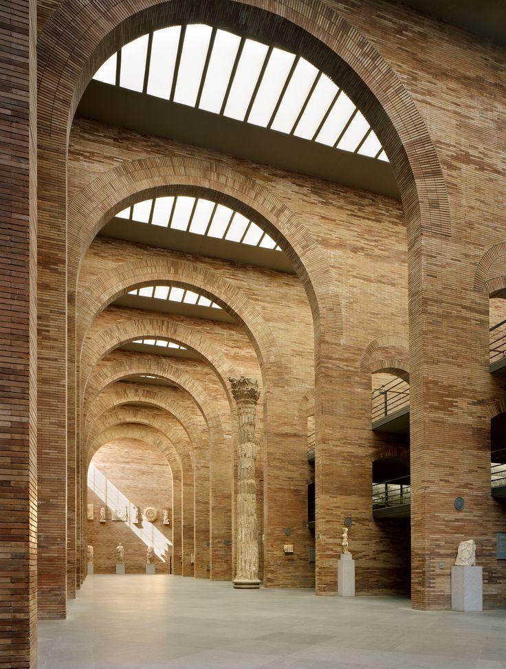 Rafael Moneo - Museo Romano - Merida; España - 1980-1985