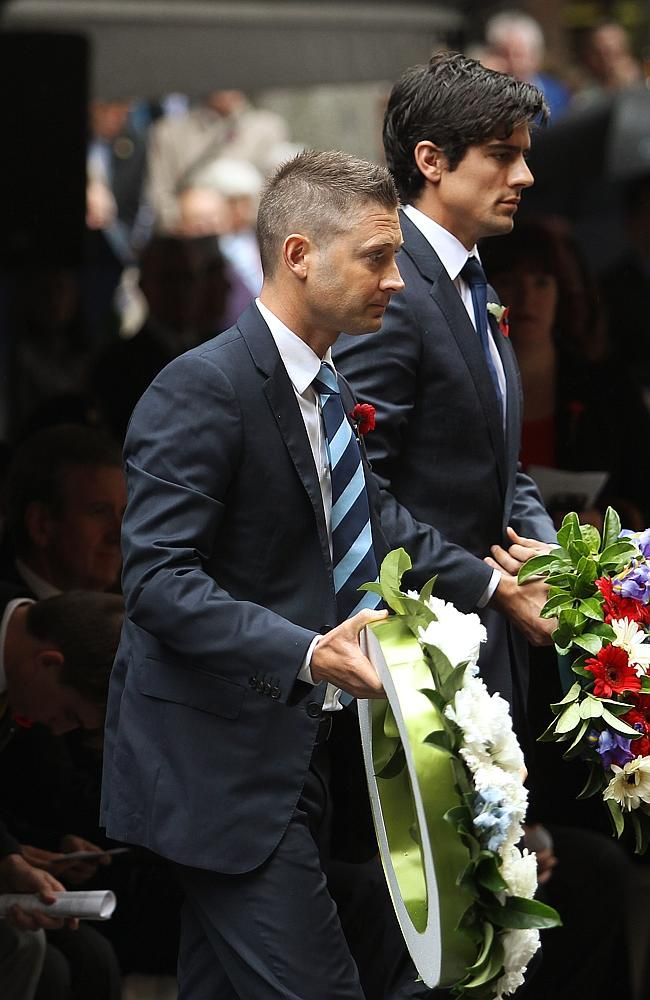 Ashes cricket captains Michael Clarke and Alistair Cook attend moving Remembrance Day service in Martin Place