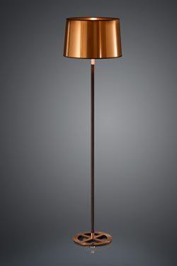 Lampadaire noir avec abat-jour en feuille de cuivre cylindrique pied recouvert de coton noir et socle en métal cuivré - Baulmann Leuchten - Lampadaire #lightings #lampadaire #floorlamp #interiordesigns #vraimentbeau #luminaire