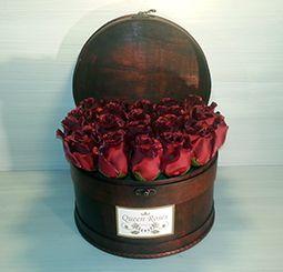 QM163/ Queen Roses vörös selyemrózsa rózsadoboz faládika