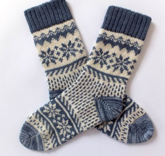 Classic Scandinavian Wool Socks with patterns. Wom…