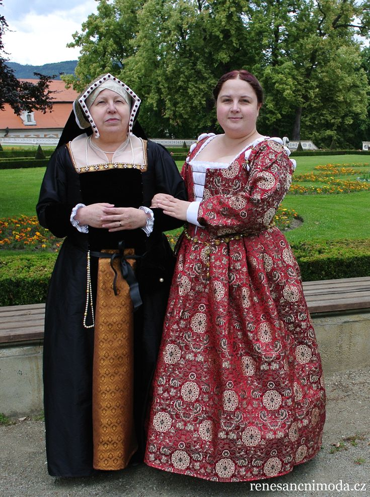 Henrician English fashion gown with gable hood and Venetian brocade dress. Completely hand-sewn by Bára Vojáčková