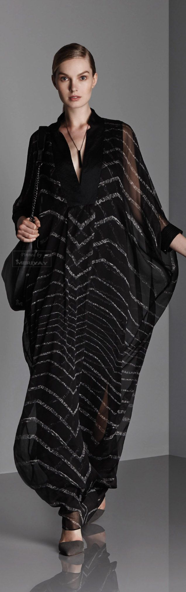 I've been lusting after this caftan from the Halston Heritage Resort collection (Summer) 2015.