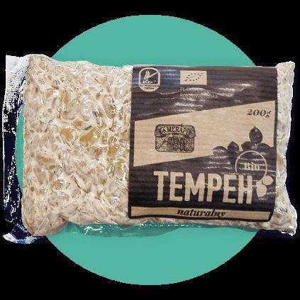 TEMPEH MERAPI BIO | 200g, cena 9,90zł na www.pureveg.pl  Wytworzony z polskiej soi. Jest bogatym źródłem wartościowego białka roślinnego dla wegan i wegetarian. Doskonale nadaje się do bezpośredniego spożycia, także do smażenia, duszenia, gotowania. Jako dodatek do zup, sałatek, przekąsek i innych dań dla wegan.   Certyfikat BIO P03216 | certyfikat Bioekspert dla żywności ekologicznej PL-EKO-04 | znak jakości Viva!  #tempeh #tempehmerapi #tempehnaturalny #tempehgold #tempehbio