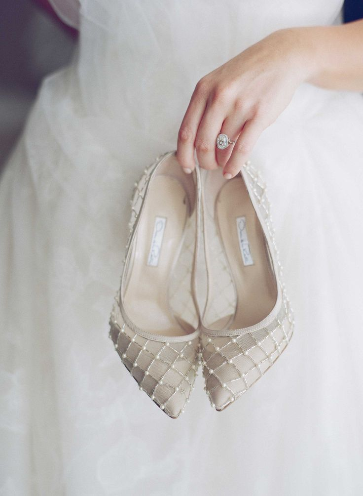 Oscar de la Renta Champagne Heels | Photography: Mi Belle Photographers. Read More: http://www.insideweddings.com/weddings/colorful-outdoor-wedding-with-supper-club-theme-in-los-angeles-ca/741/