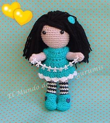 """¿Que tal tod@s? Hoy traigo al blog esta muñeca que vuelve locas a grandes y pequeñas. Después de varias """"Evitas"""" y con la emoción a to..."""