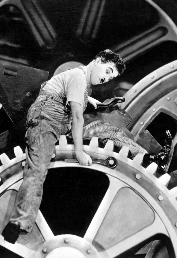 Charles Chaplin en Tiempos Modernos (1936)