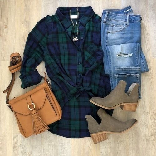 {Fall Look: Plaid & Booties} // Nothing beats a ...
