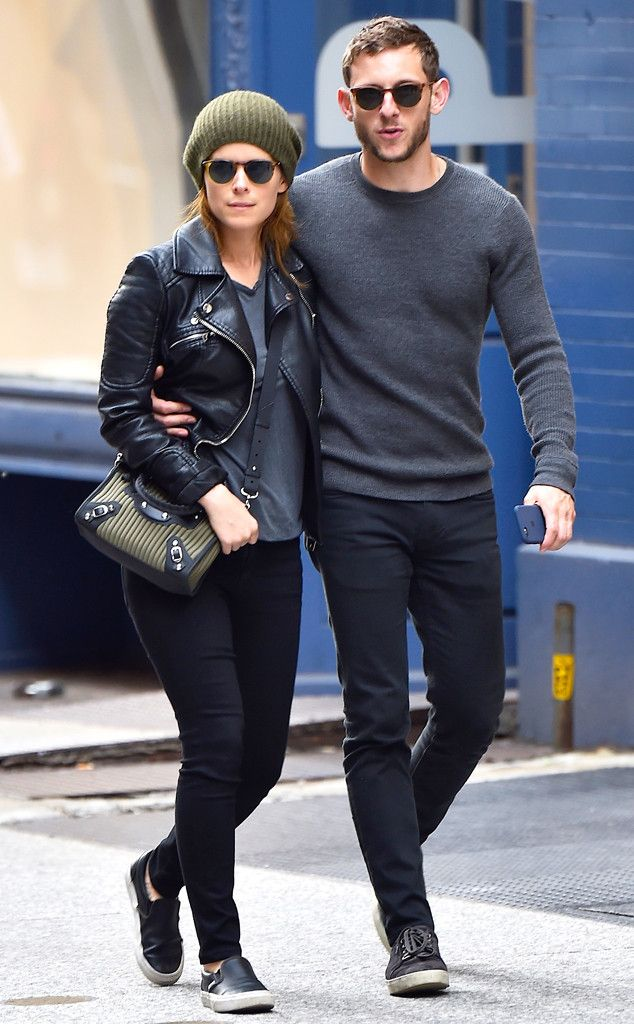 Kate Mara & Jamie Bell from The Big Picture: Today's Hot Pics  The loved-up twosome strolls around New York City together.