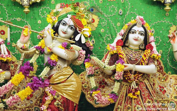 To view Radha Gopinath Wallpaper of ISKCON Chowpatty in difference sizes visit - http://harekrishnawallpapers.com/sri-sri-radha-gopinath-close-up-wallpaper-004/