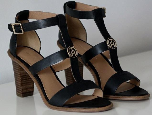 Elegancja i szyk. Tak można określić w dwóch słowach sandałki na stabilnym słupku marki Tommy Hilfiger.  Obcas 8 cm!