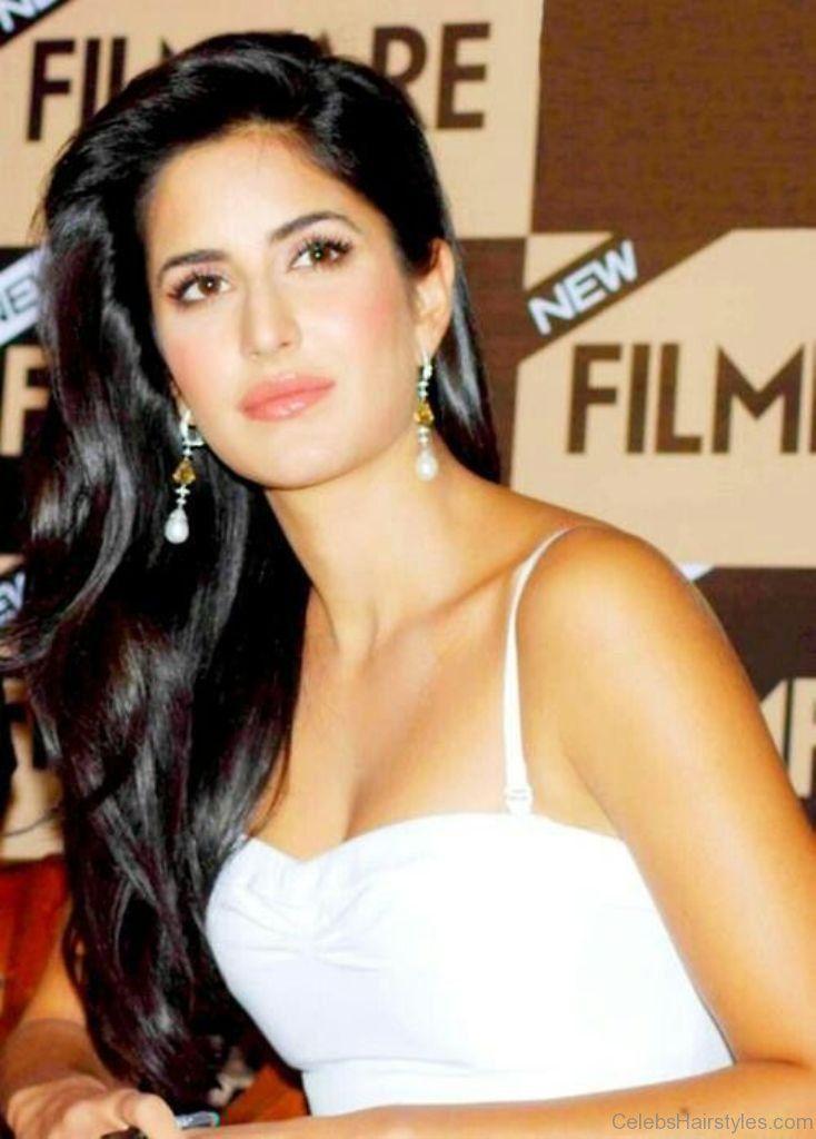 Katrina Kaif Long Wavy Hairstyle Bollywood Hairstyles Oval Face Hairstyles Katrina Kaif Hot Pics