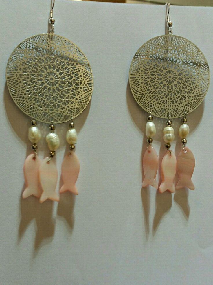 Boucles d'oreilles attrape rêves en métal argenté anti allergique et Nacre