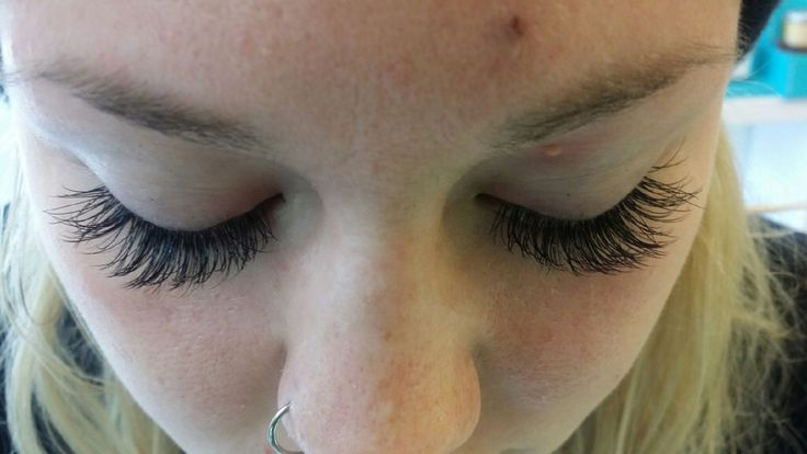 How great is the invention of eyelash extensions though!? These lashes were done by Anastasia.