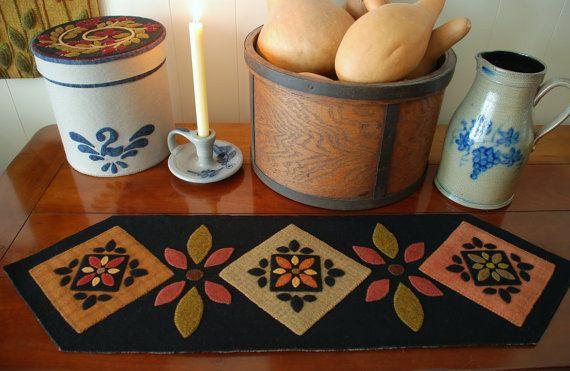 """Apliques de lana modelo """"Inspiración Amish"""" tabla bloque de edredón de corredor penny alfombra folk art stencil mano fieltro primitivo de fieltro de lana teñido lana enganche"""