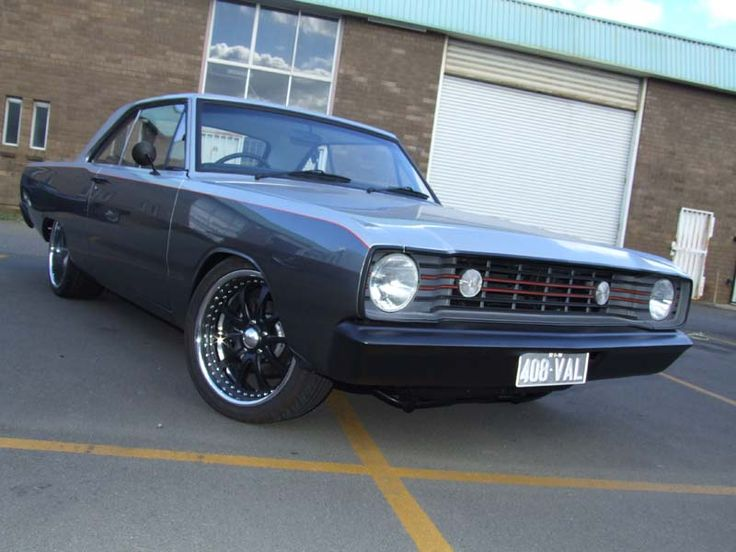 Modified valiant vg hardtop with ve front h e a v y m for Plymouth garage doors