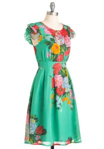 i quite like this dress, the colours are beautiful!