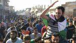 Failaq Asy-Syam lakukan pertukaran tawanan dengan milisi Syiah asal Irak  ALEPPO (Arrahmah.com)  Failaq Asy-Syam kelompok pejuang Suriah yang beroperasi di wilayah Aleppo telah melakukan pertukaran tahanan dengan milisi Syiah asal Irak yang didukung Iran ujar aktivis Suriah kepada Zaman Alwasl pada Selasa (30/5/2017). Milisi Syiah Irak Al-Nujaba yang bertempur untuk mendukung rezim Bashar Asad di provinsi utara Suriah telah membebaskan 4 pejuang Failaq Asy-syam termasuk seorang komandan…