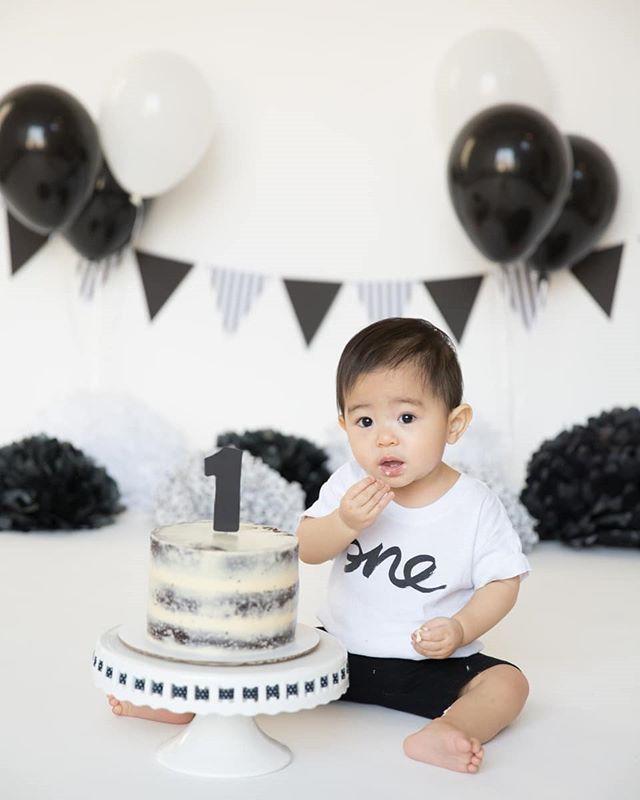Black And White In 2020 Smash Cake Photos Boy Smash Cake Boy