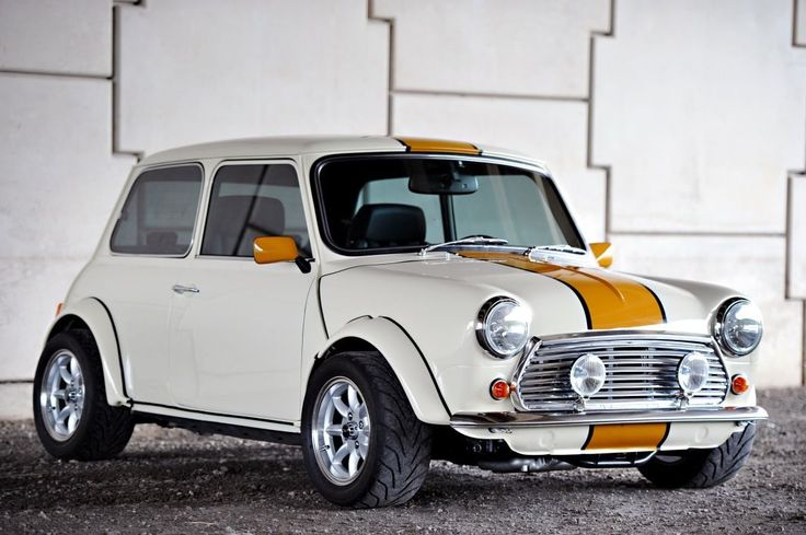 1979 Austin Mini, equipped with a Honda KA-20 A-2 VTEC engine, and converted to AWD. Gorgeous, cute and lethal at the same time.