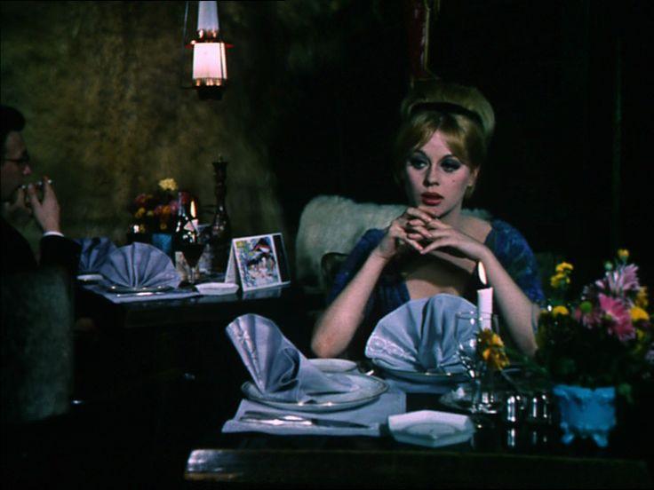 som Yvet, i Pigen og pressefotografen fra 1963.