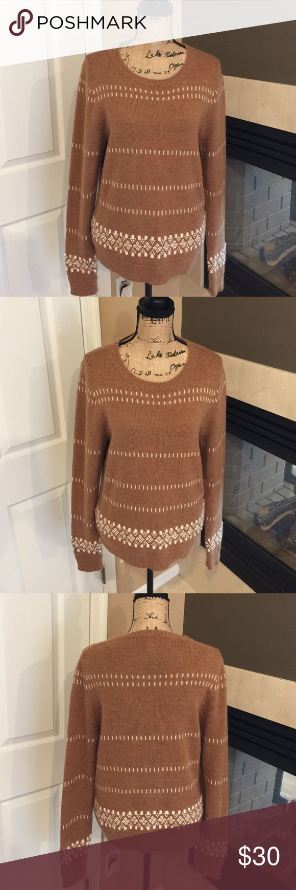🌺🌼 J.Crew 🌼🌺 Stunning Crew Neck Sweater 🌺🌼 J.Crew 🌼🌺 Stunning Crew Neck Sweater is in great condition.  Preloved warm and cozy sweater. J. Crew Sweaters Crew & Scoop Necks
