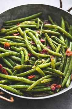 Easy Brown Sugar Green Beans with Bacon - the perfect side dish for Thanksgiving or Christmas! | http://lecremedelacrumb.com