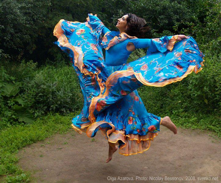 Romani Gypsy dance in photos. Gypsy dance by Olga Azarova