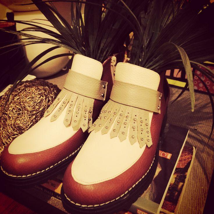Miki&Choya Botines Yoko Flakes 100% leather #chunkyshoes #miki&choya #leathershoes