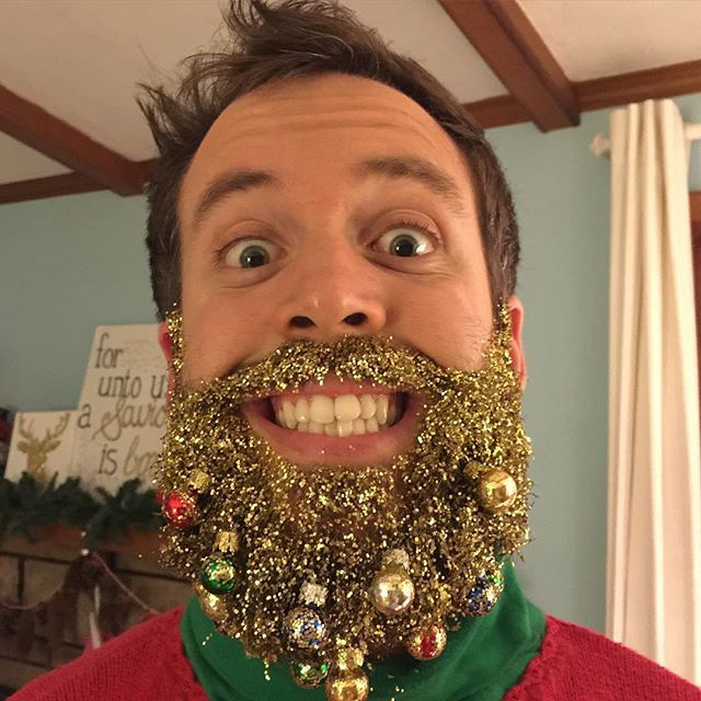 Glitter Beards Are The New Festive Holiday Trend And Here's The Top 30 -  #beards #glitter #holiday #trend
