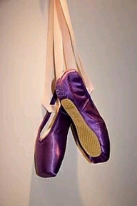* purple pointe shoes | ballet | Pinterest