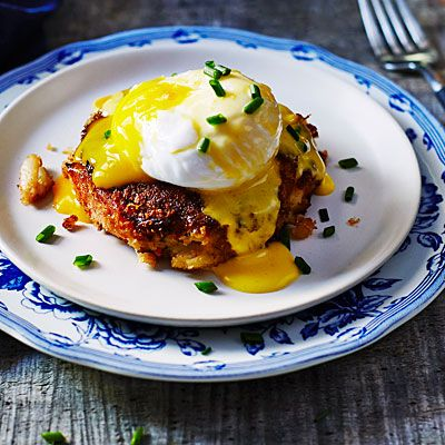 Crabcake Eggs Benedict | These outstanding Benedicts skip the customary English muffin to showcase just crisp crabcake, egg, and hollandaise.