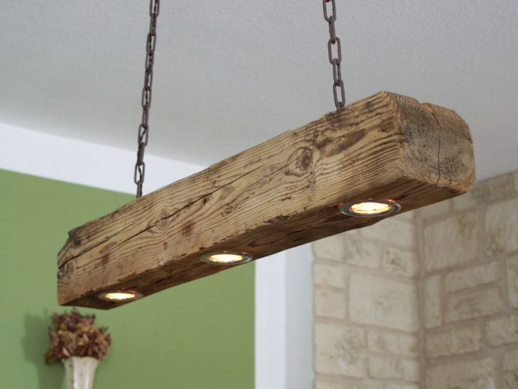 Deckenlampe aus altem Holzbalk | Deckenlampe holz, Schöne