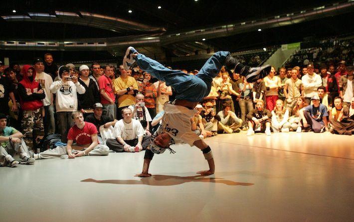 Il Battle of the Year è il contest di breakdance e hip hop più famoso al mondo. Nato in Germania nel 1990, è ora composto di competizioni nazionali in circa 30 Paesi che culminano nelle finali internazionali, in autunno, a cui partecipano le crew di ballerini che si sono distinte nelle gara nazionali.  In Italia quest'anno si festeggia il decimo anniversario del contest, a Roma, il 6 luglio.