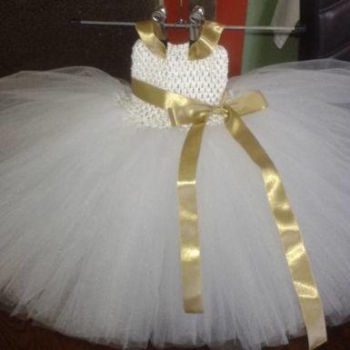 """Krásne bohaté tutu šaty pre MINI princezné. Cena je uvedená za šaty, ktoré majú dĺžku sukne do 30cm. A topík 7-15cm.<br style=""""color: rgb(0, 0, 0); fo"""
