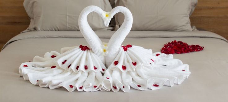 142 best folded towels images on pinterest fold towels for Romantic origami ideas
