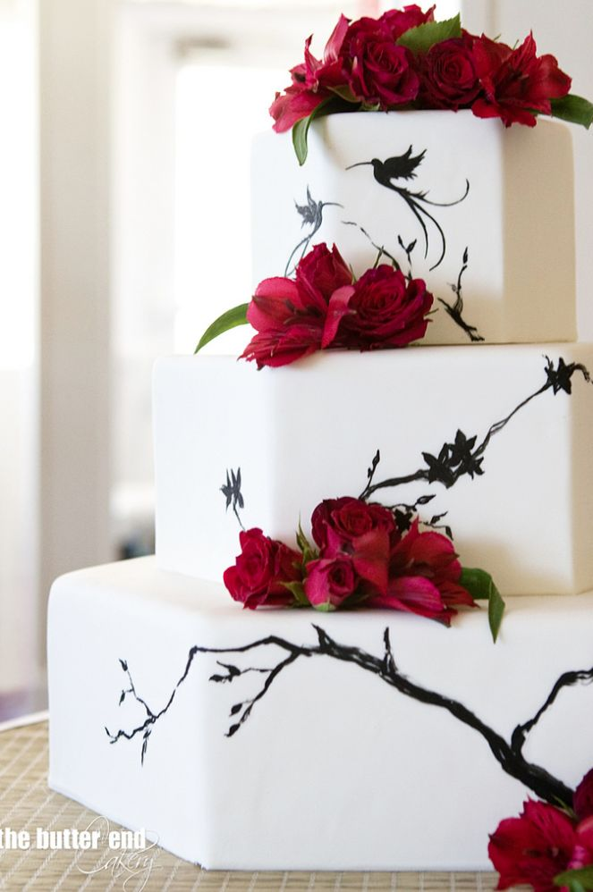 I'm not sure what I love so much about this cake. Maybe it's the simple design? Either way it's beautiful