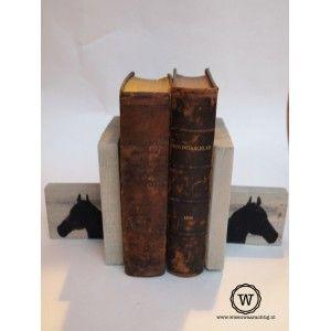 #steigerhouten #boekensteunen met paarden. Ook leuk met andere afbeelding