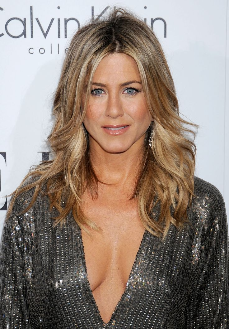 styling hair all aniston iconic hairstyles layered wavy jpg 1466