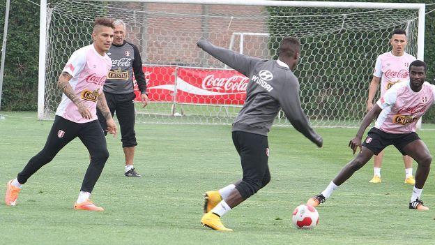 Selección Peruana: Jean Deza y Juan Vargas confirmados en el equipo titular ante Paraguay #Depor