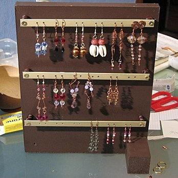 1000 id es sur le th me organiser les boucles d 39 oreilles sur pinterest porte bracelet. Black Bedroom Furniture Sets. Home Design Ideas