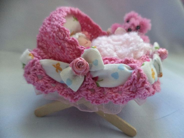 OOAK Beautiful Hand Made Miniature clay baby girl and crib,Unique design