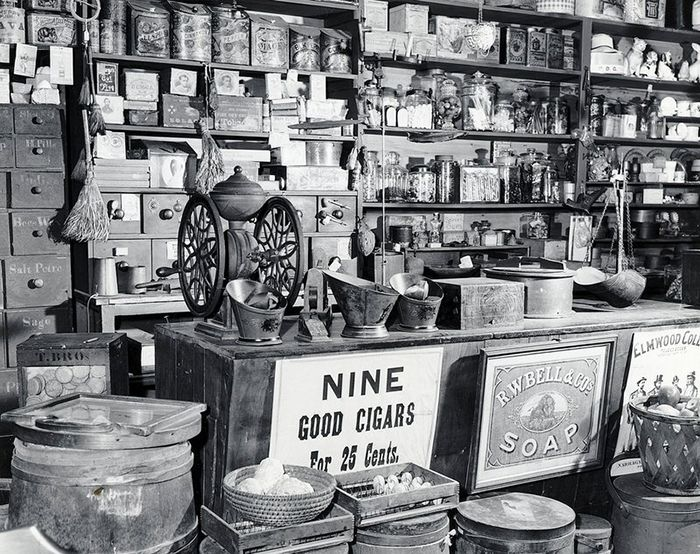 24 Rare Photos of Stores in the Victorian Era - Page 2 of 2
