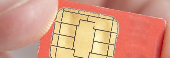Karsten Nohl, especialista em segurança móvel e fundador da Security Labs Research em Berlim, Alemanha, identificou uma falha na criptografia de cartões SIM, que pode permitir o sequestro e acesso remoto de telefones celulares por cibercriminosos. A falha permite que cibercriminosos tenham acesso à