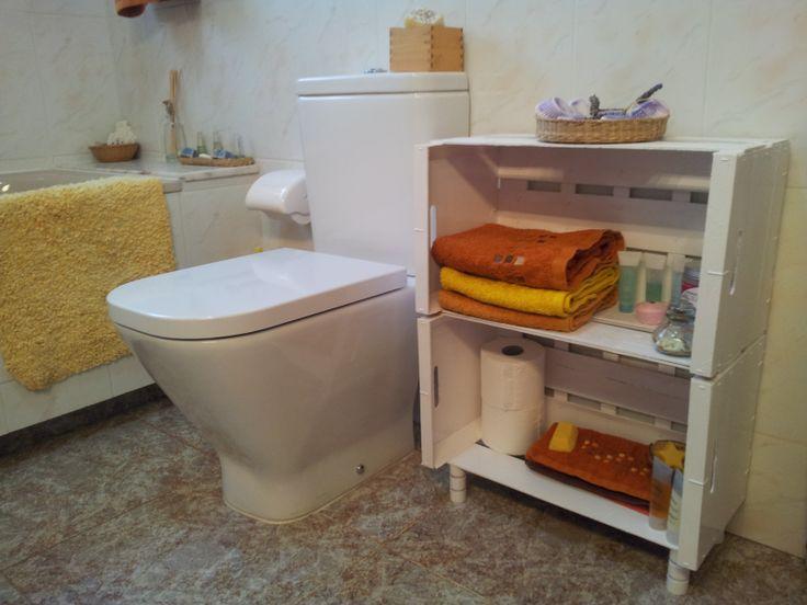Con cajas de frutería e imaginación se pueden hacer maravillas como este mueble para baño :-)