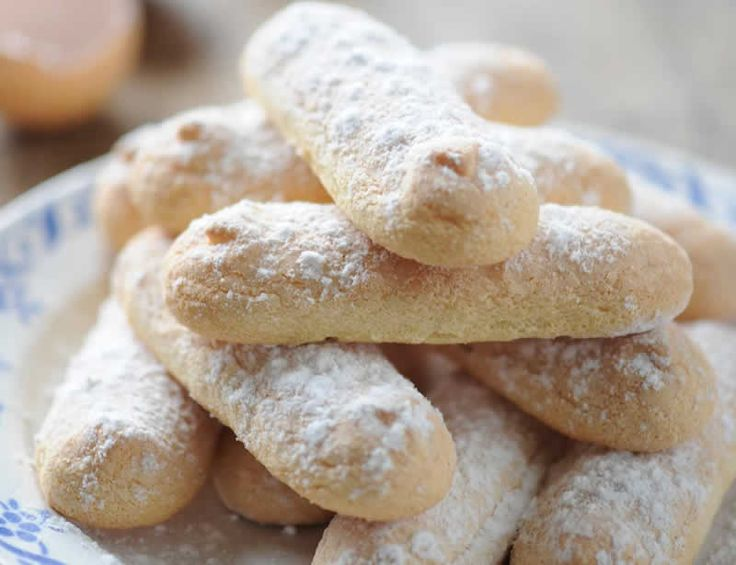 Biscuits à la cuillère avec thermomix. Voici une recette des Biscuits à la cuillère, facile et simple a réaliser chez vous avec le thermomix.