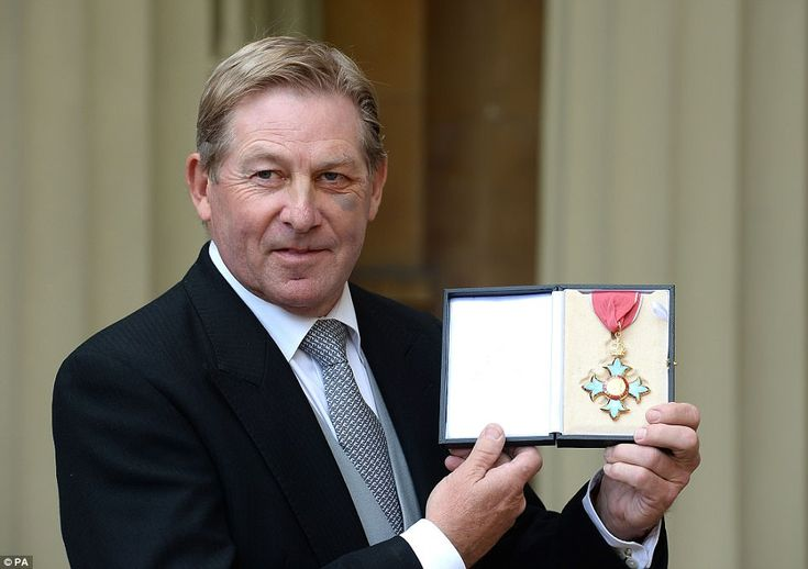 Showjumping champion Nick Skelton, who became Britain's second-oldest gold medallist  at Rio 2016, was also honoured