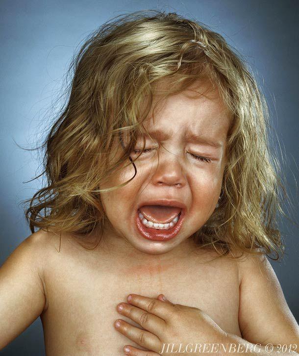 Quand la photographe Jill Greenberg fait pleurer les petits enfants en volant leurs sucettes   Ufunk.net